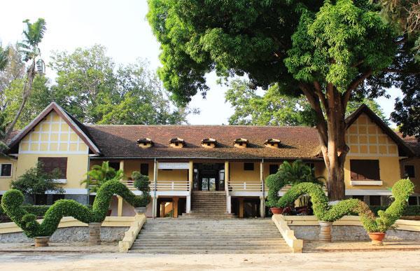 Hai biệt điện phục vụ ăn chơi cho vua Bảo Đại ở Đắk Lắk