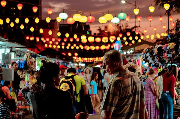 What to Do at Nha Trang Night Market?