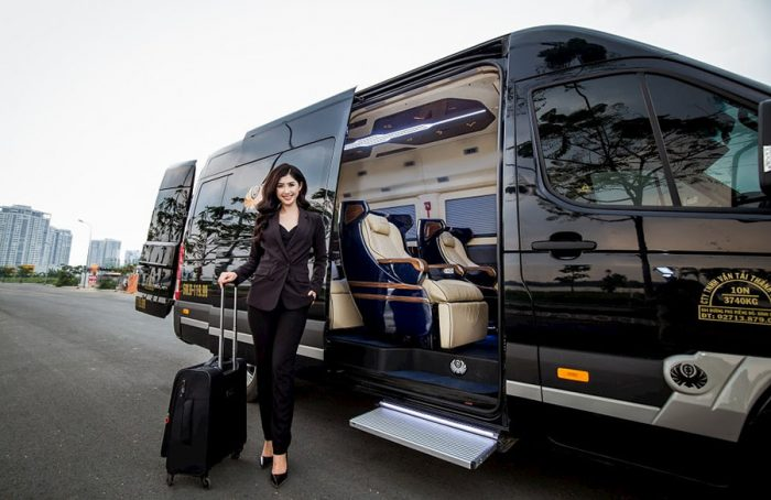 Xe limousine đang rất được ưa chuộng để đi du lịch cà nhân lẫn theo nhóm